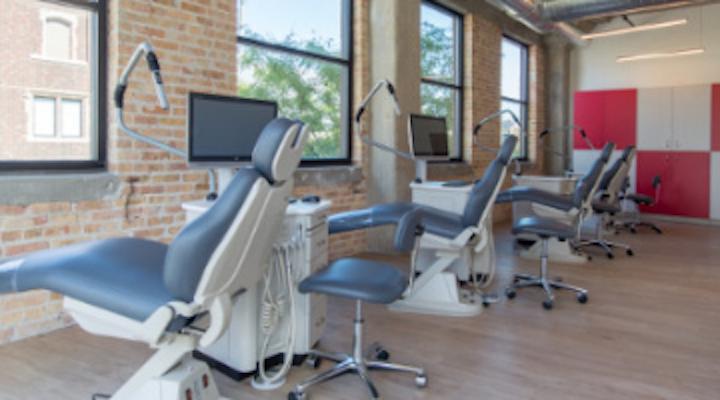 Content Dam De En De S Design Studio Content Dam 4 Tips To Choose The Best Location For Your Dental Office Leftcolumn Article Thumbnailimage File